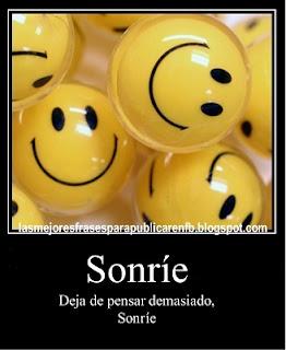 Frases Para La Vida: Sonríe Deja De Pensar Demasiado