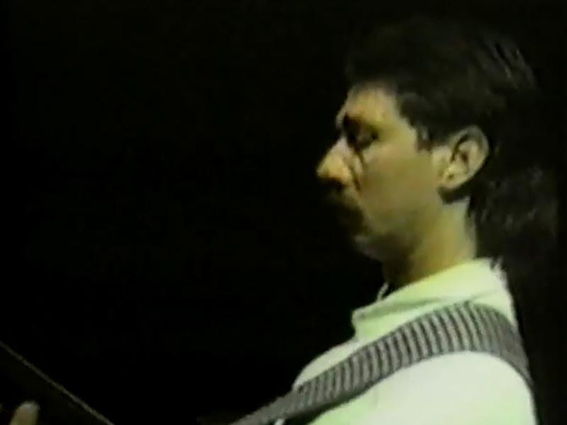 Monte de Espuma - ¨Ese hombre está loco¨ - Videoclip. Portal Del Vídeo Clip Cubano - 09