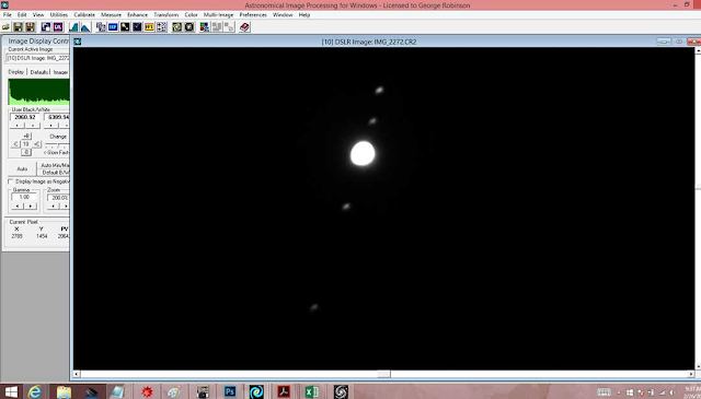 Looking at the moons of Jupiter with a small telescope (Source: Palmia Observatory)