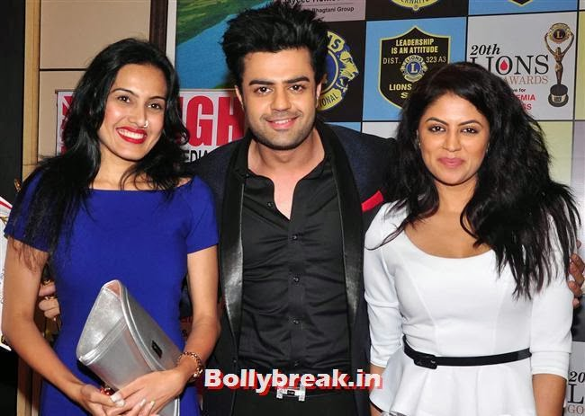 Kamya Punjabi, Manish Paul and Kavita Kaushik, Celebs at Lions Gold Awards 2014