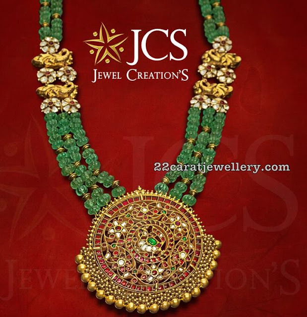 Pumkin Shape Emerald Beads Ser Kundan Locket
