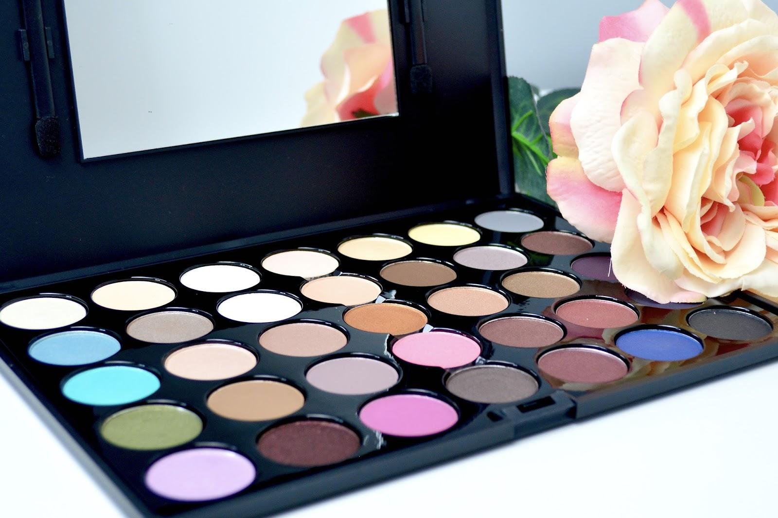 Crown Brush, Crown Brush Eyeshadow Palette, Palette, Eyeshadow, Shadow, Back To Basics Makeup, Back To Basics Palette