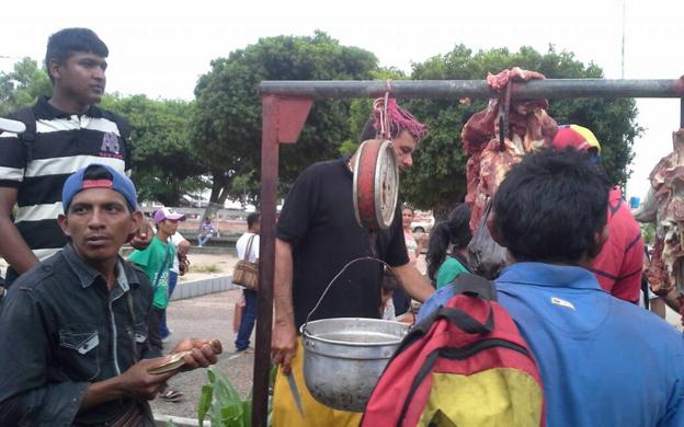 venden-carne-sin-control-sanitario-en-plaza-bolivar-de-machiques
