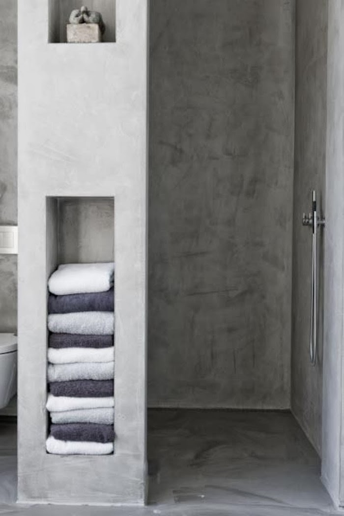 plastered concrete shelves in the bathroom t a n y e s h a. Black Bedroom Furniture Sets. Home Design Ideas