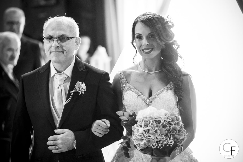 La sposa e il papà verso l'altare