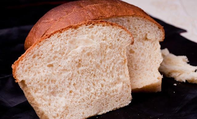 Khắc phục cách chữa cơm bị nhão bằng mẩu bánh mì
