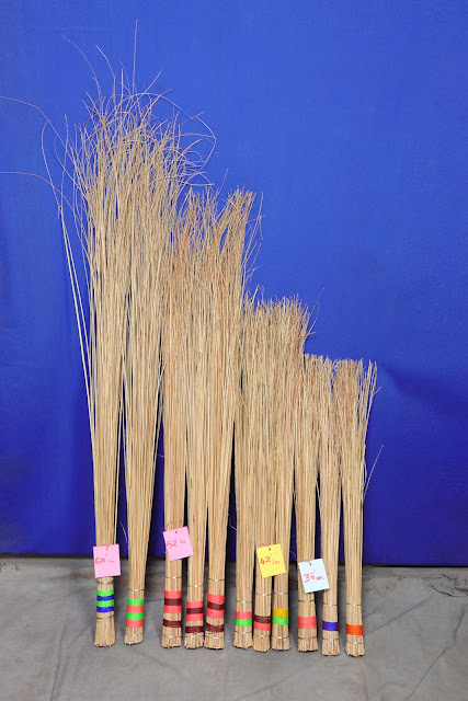 Coconut stick Broom-தென்னங்குச்சி விளக்குமாறு
