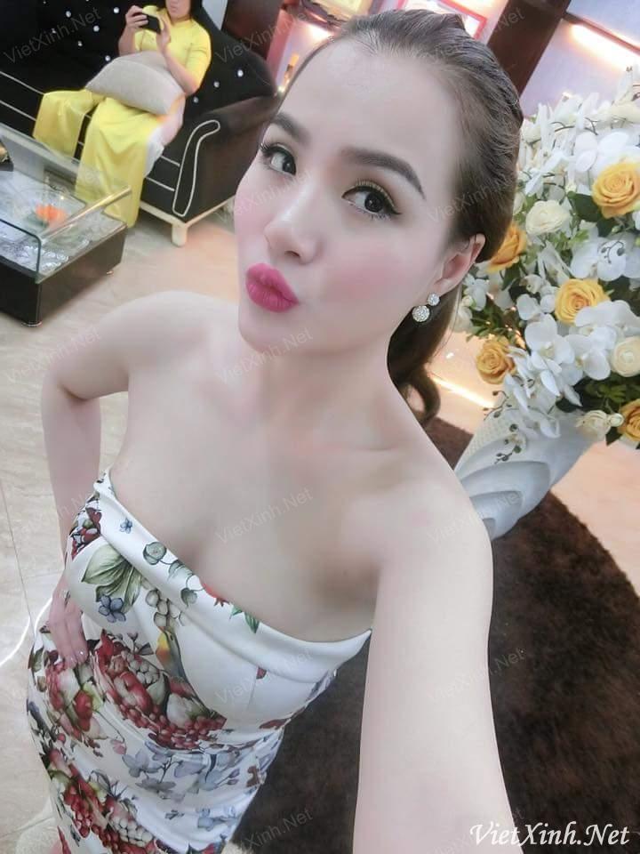 Hot girl Nguyễn Ngọc Châm (Charm Spa) - Hàng ngon dáng chuẩn