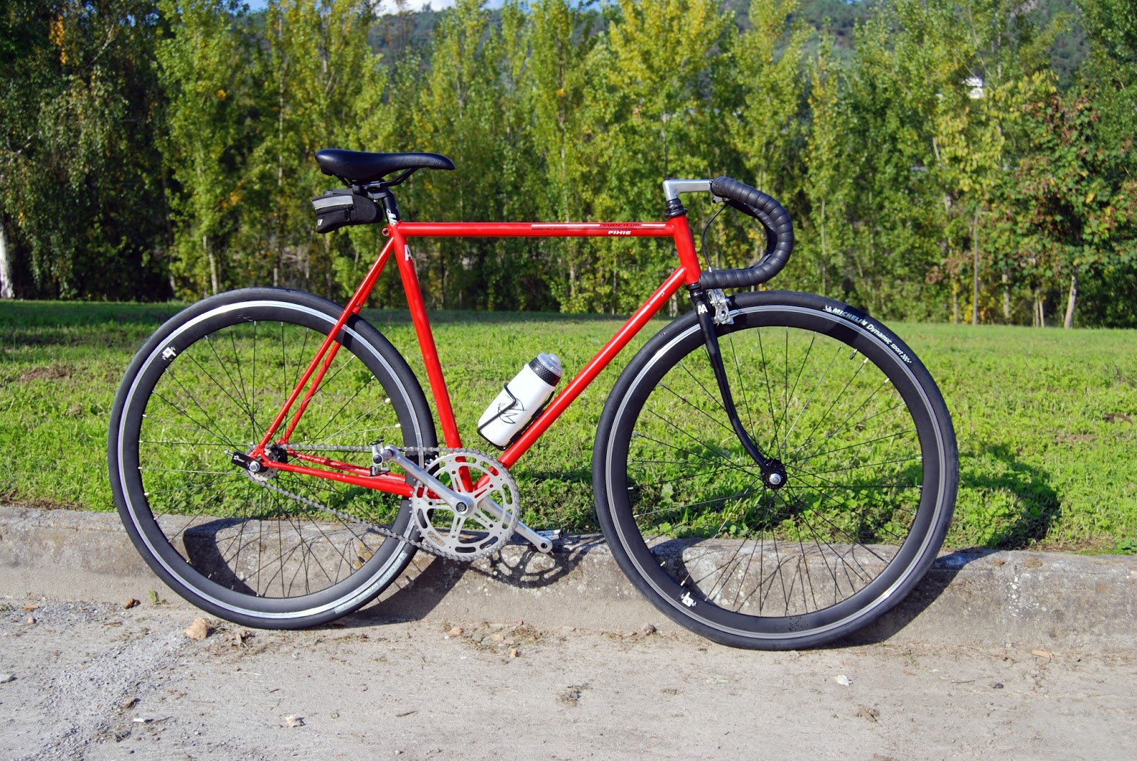 The Fixed Gear World: #newLife | Super BH L3000 AA by Marcos "|1600|1071|?|en|2|525c853b2fc50a060d64fd348821375b|False|UNLIKELY|0.3202266991138458
