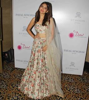Kriti Kharbanda At Payal Singhals New Collection Launch (1)