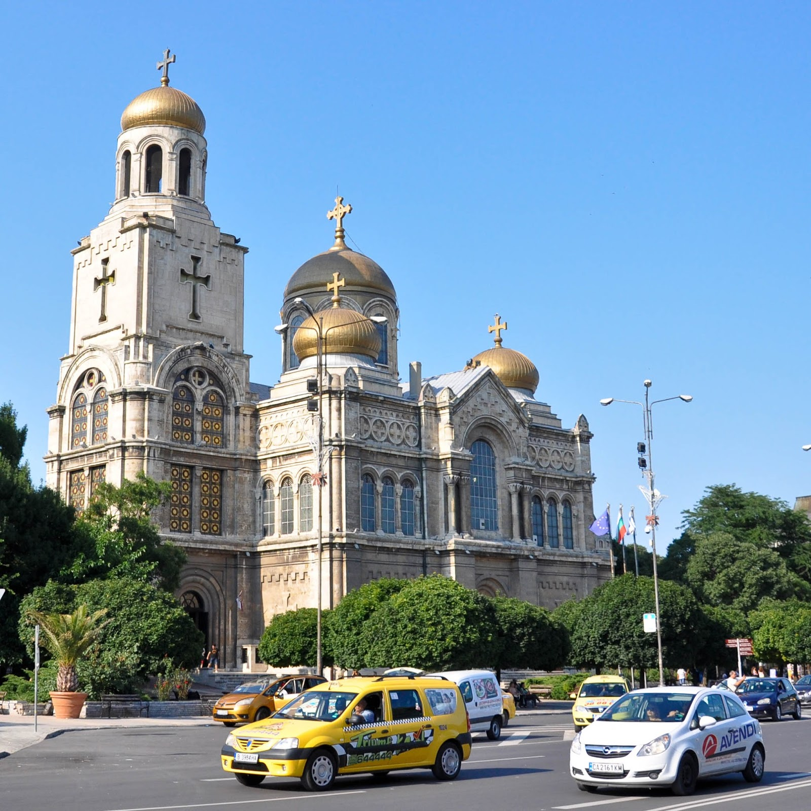 A taxi and Dormition of the Mother of God Cathedral, Varna