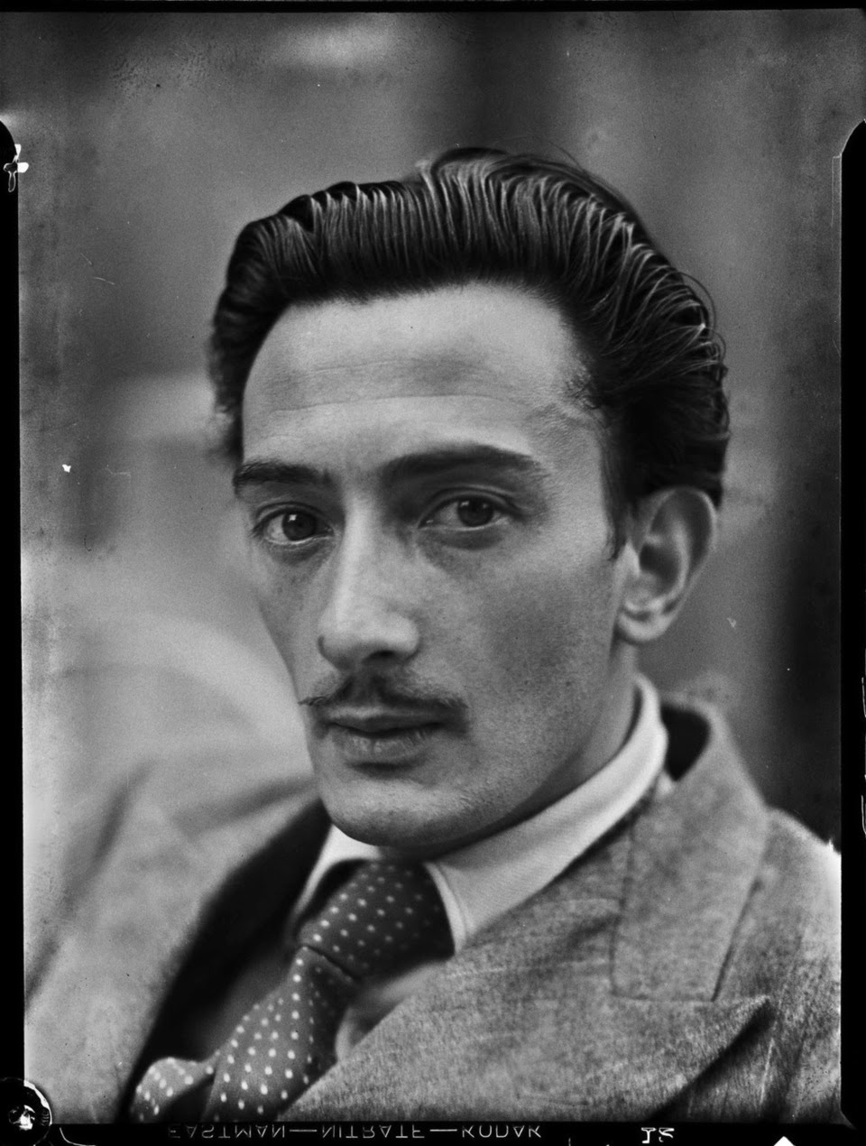 16 Interesting Portrait Photos Of A Young Salvador Dali - Salvatore Dali