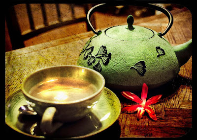 chinese-tea-time-red-teapot-images