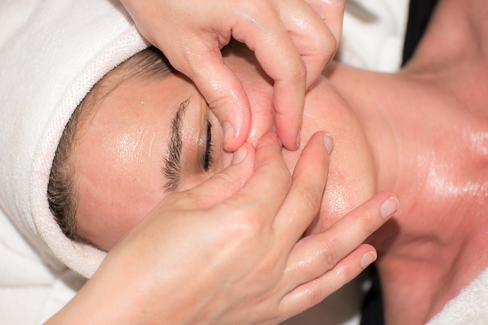 Technican Squeezing Woman's Adult Acne Blemish Pixibay Image
