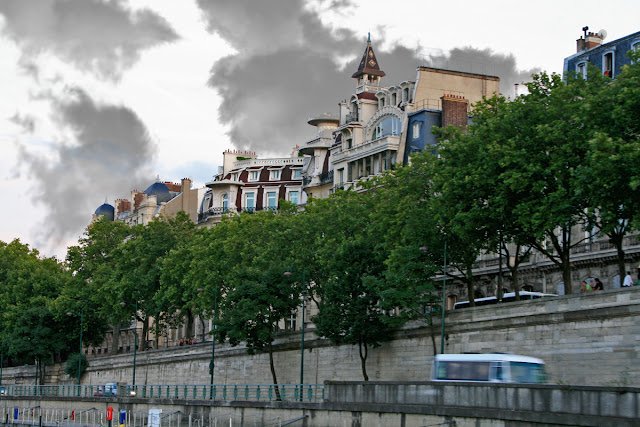 Quay Anatole France. Paris. Набережная Анатоля Франса. Париж.