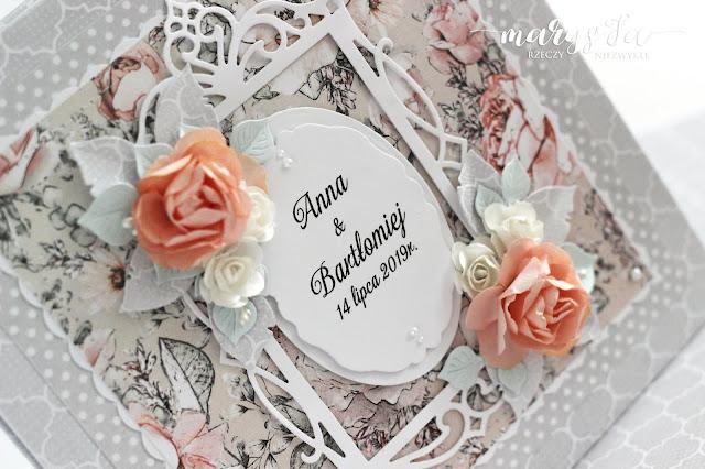 brzoskwiniowe róże – księga gości 😊