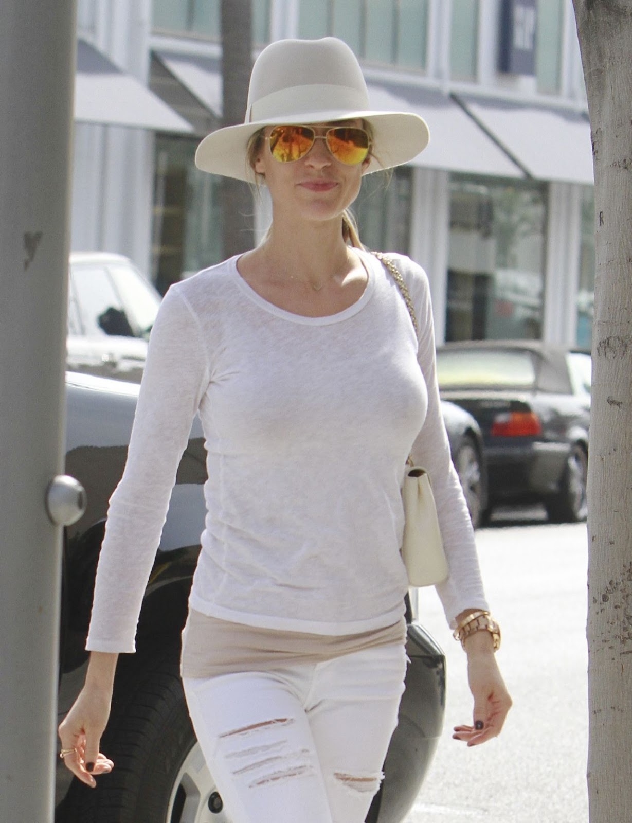 Kristin Cavallari is chic in head-to-toe white out and about in Beverly Hills