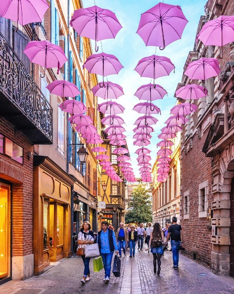 http://www.lush-fab-glam.com/2016/03/dream-destinations-the-colorful-streets-of-europe.html