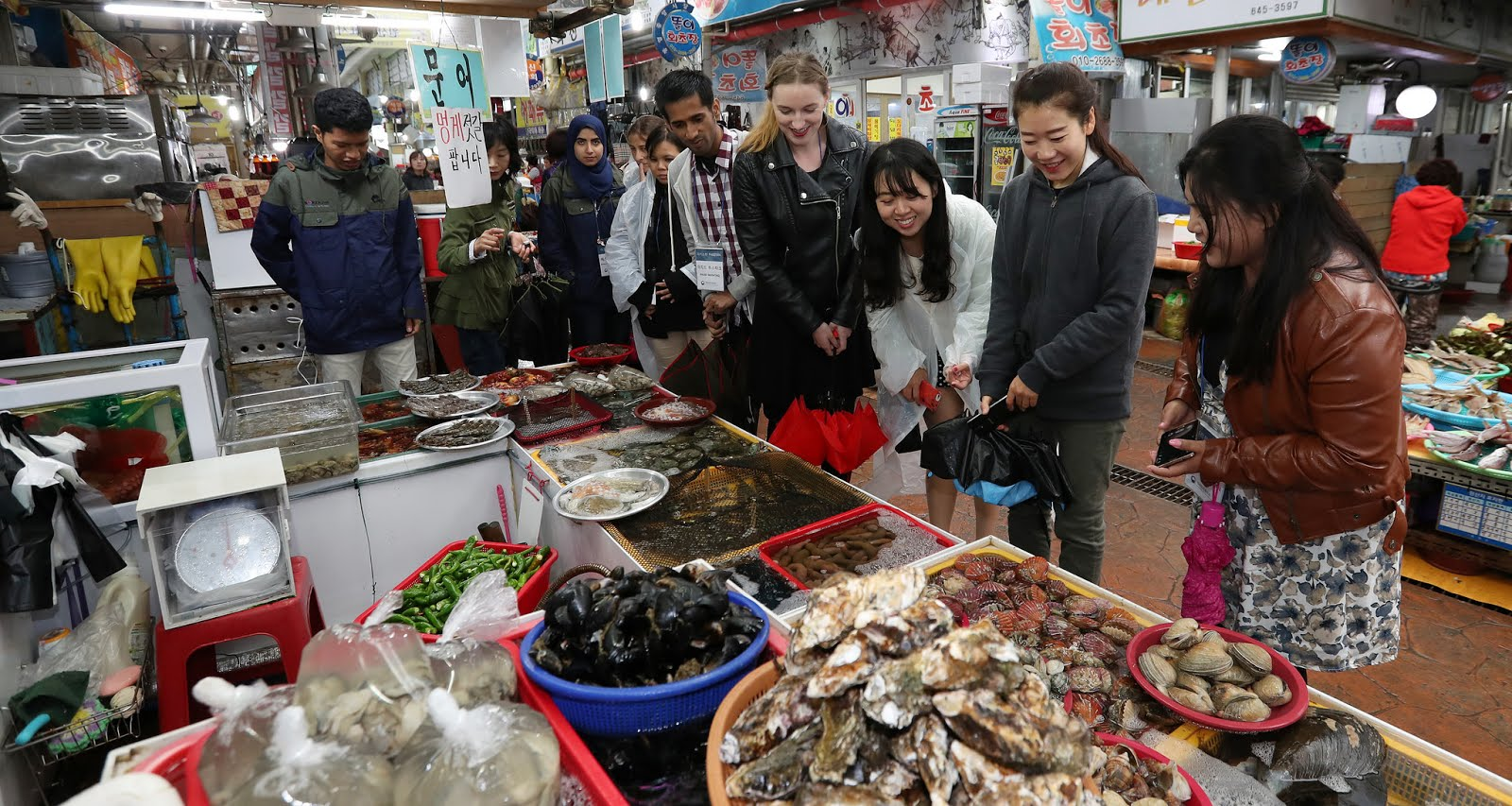 A visit to Tongyeong's Jungang Tradition Market famous for its fresh catch seafood.