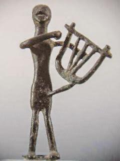 Αγαλματίδιο μουσικού του 8ου αι.