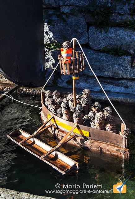 Presepi sull'acqua a Crodo: di pigne