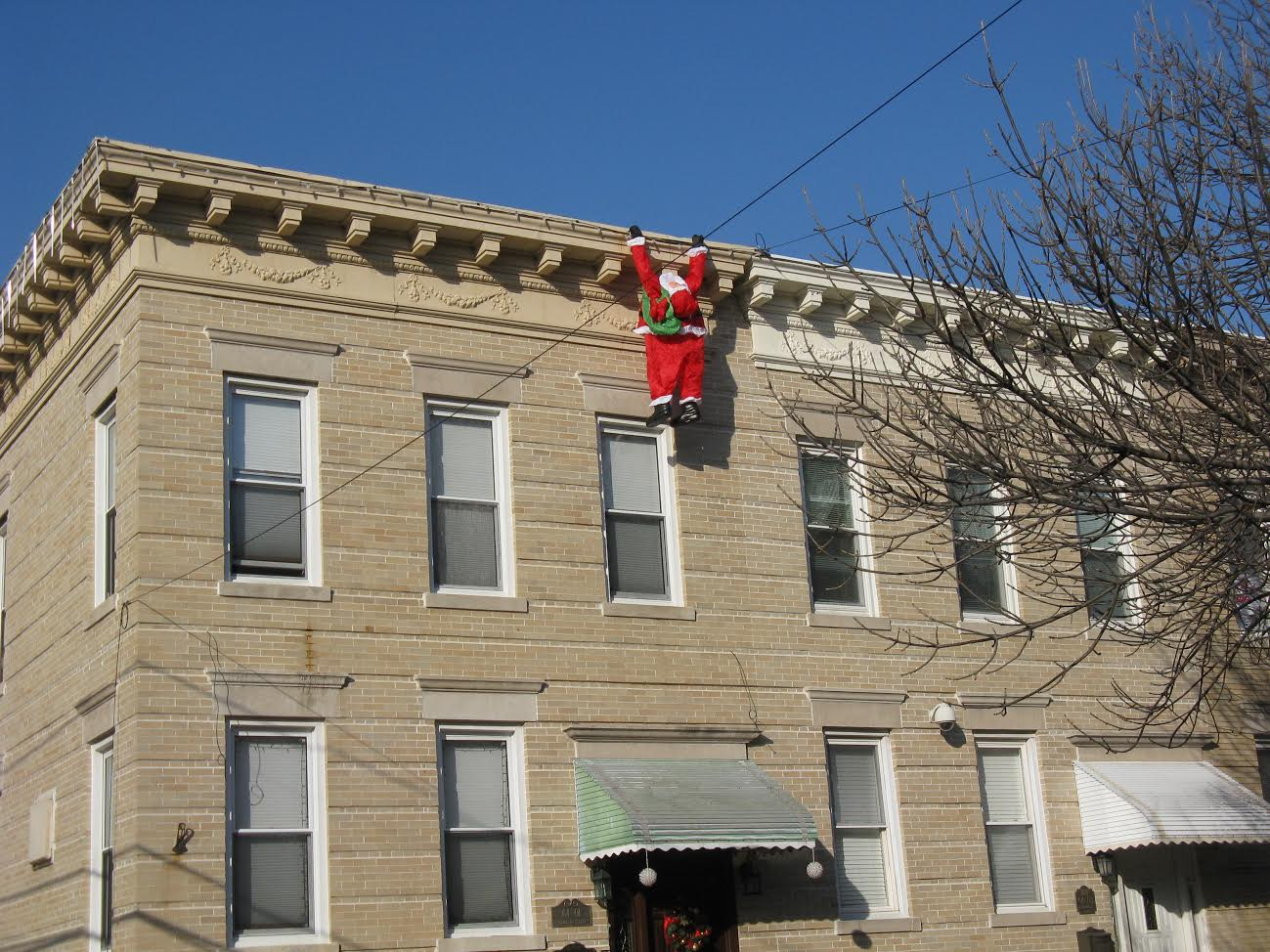 Queens crap december 2016 santa hanging around ridgewood aiddatafo Choice Image