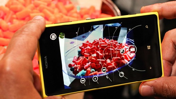 Thay mặt kính Nokia Lumia 1020 giá rẻ