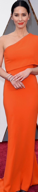 Olivia Munn 2016 Oscars