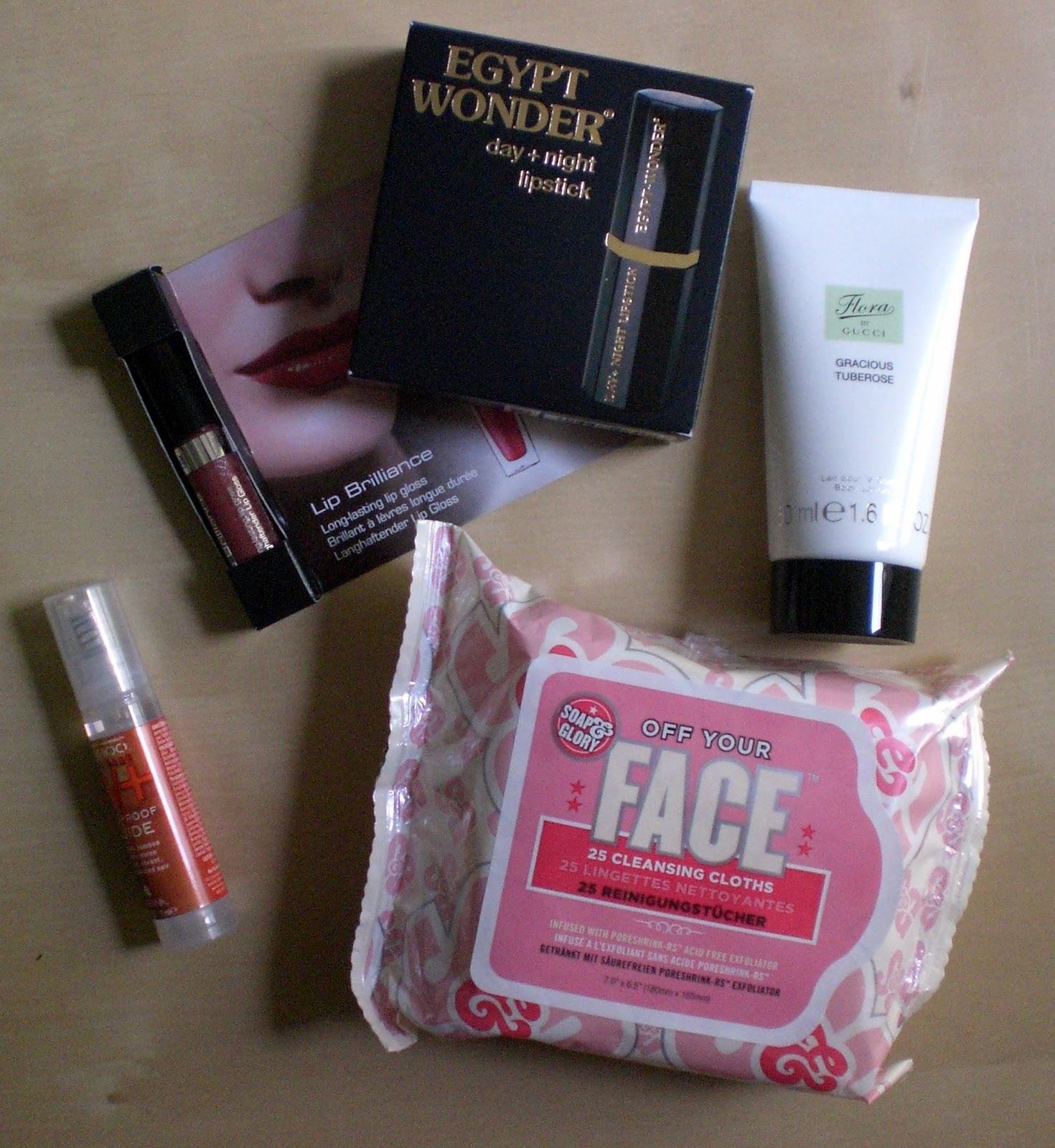 b4785607d Tana Day & Night Lipstick (4,58g): Das war das Originalprodukt. Ein  Lippenstift, der je nach pH-Wert der Haut seine Farbe ändert. Der UVP  beträgt 12,90 €.