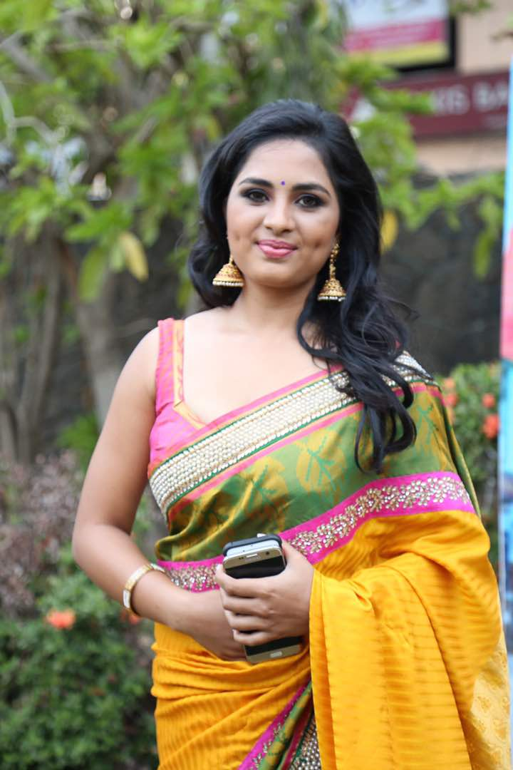 Srushti Dange at Saravanan Irukka Bayamaen Press Meet