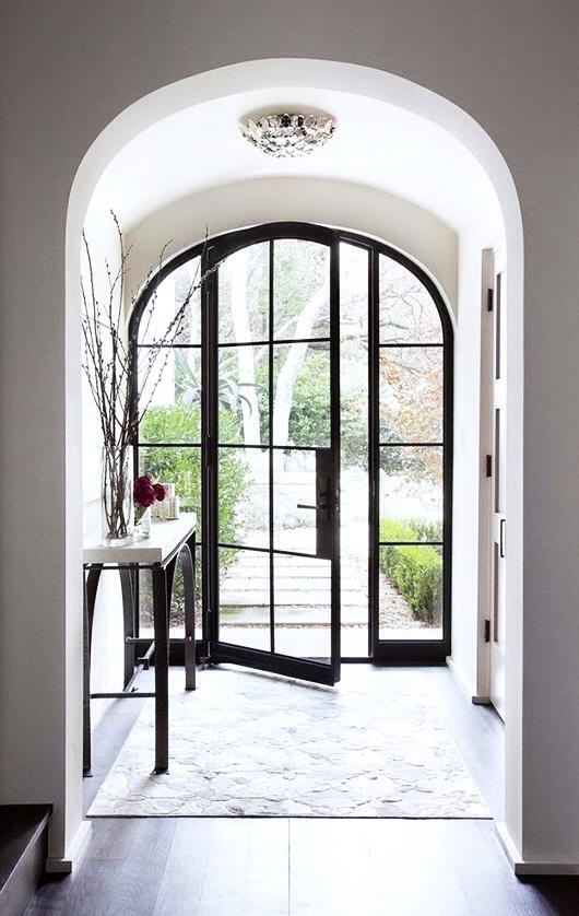 Adapter sa porte d\'entrée au style de sa maison