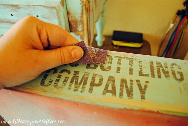 DIY Vintage Soda Crate Tutorial | Includes great painting/aging tips and more