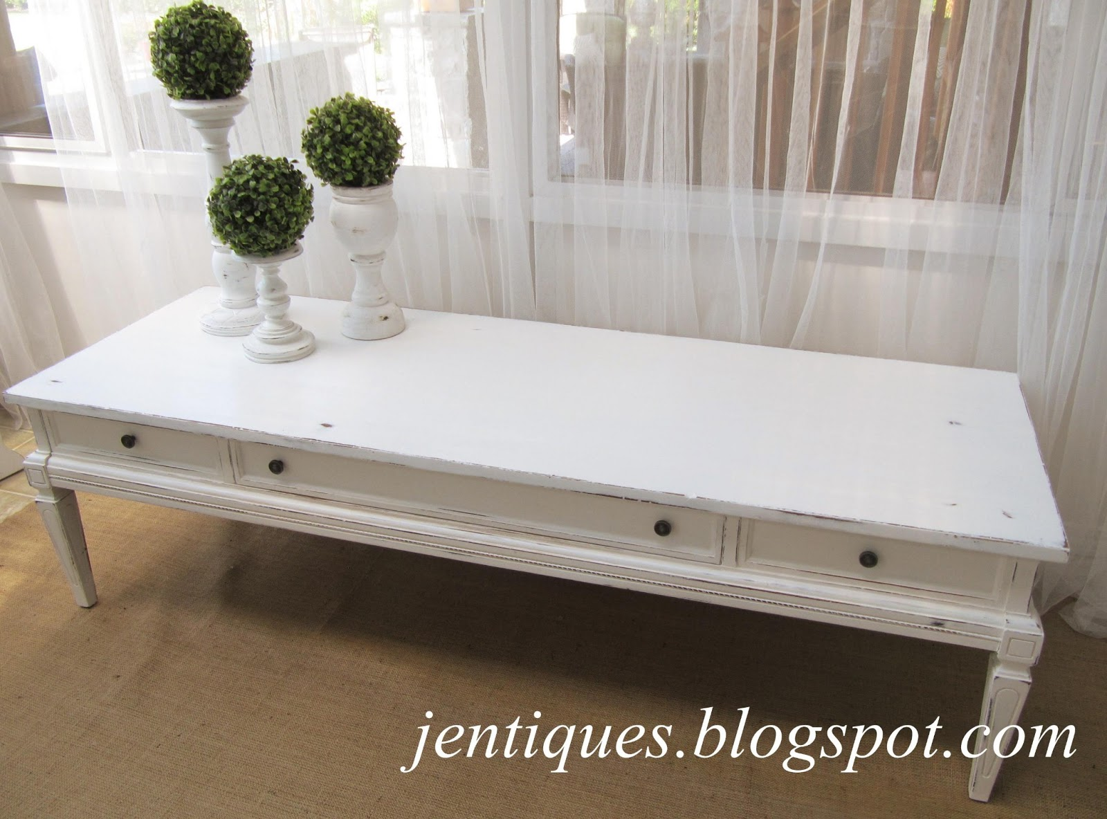 Jentiques: White Shabby Chic Coffee Table
