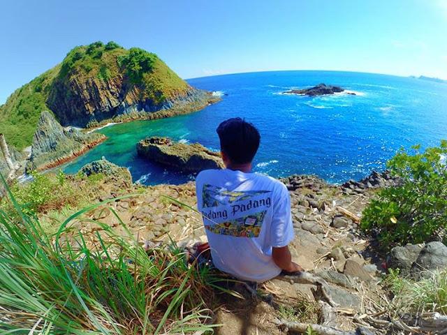 Pantai Semeti Lombok di siang hari yang panas, sumber ig @deeny_hr