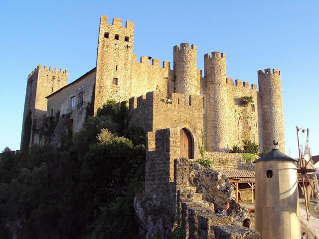 Resultado de imagem para vila de óbidos castelo