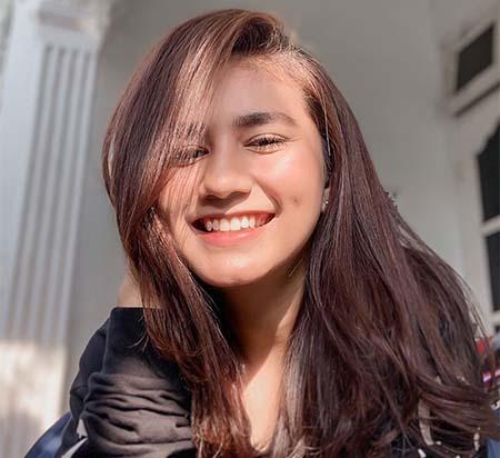 Nadhea Ananda Cantik