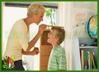 peninggi badan anak, anak ingin tinggi, tulang anak-anak, kalsium anak, masa pertumbuhan tulang