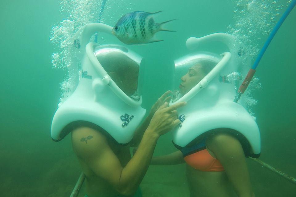 Đi bộ dưới biển ở Hội An