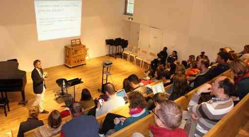 La conférence très suivie du grand maître international d'échecs Darko Anic « Quel mental pour réussir en compétition aux échecs » - Photo  © Chess & Strategy
