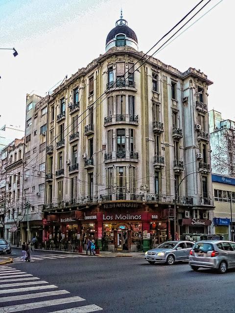Avda Santa Fe y José E Uriburu,Buenos Aires,Argentina