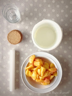 ingredienti yogurt e pesche