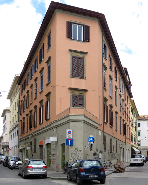 Corner building between Via Verdi and Via Sardi, Livorno