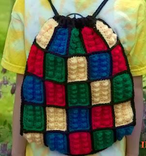 http://translate.googleusercontent.com/translate_c?depth=1&hl=es&rurl=translate.google.es&sl=auto&tl=es&u=http://www.mooglyblog.com/lego-inspired-crochet-backpack/&usg=ALkJrhiiC1bliDKRZ7C6-j3-58ycKbICNA