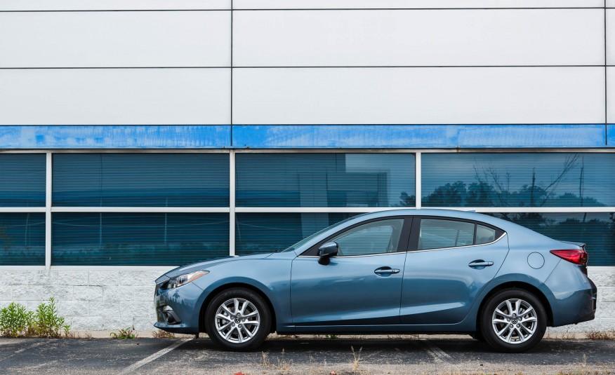 Mazda 3 sedan - Đẹp, cá tính và ngoại bình như một siêu xe