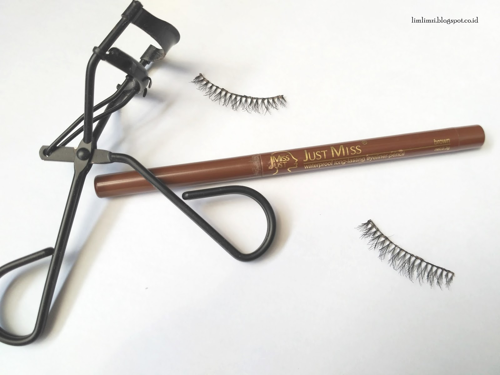 REVIEW Just Miss Waterproof Long Lasting Eyeliner Pencil