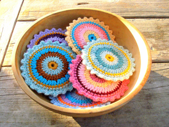 colorful round coaster crochet pattern