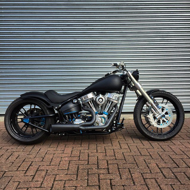 SOFTAIL bike from Warr's king's road Customs 04