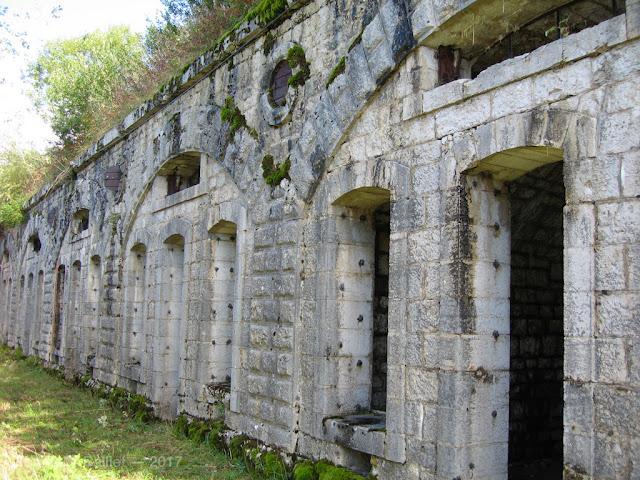 Fort du Larmont supérieur —Caserne (état 2006)