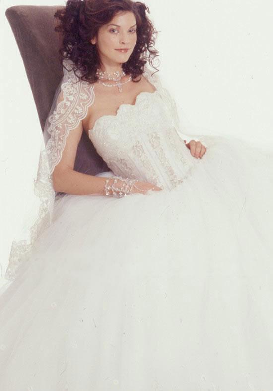 278873a3e احدث صيحات الموضة لـ عروس 2016 | فساتين زفاف - مجلة حوريات