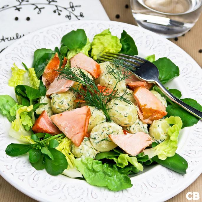 Recept Krieltjessalade met warmgerookte zalm, dille-honingdressing en waterkers